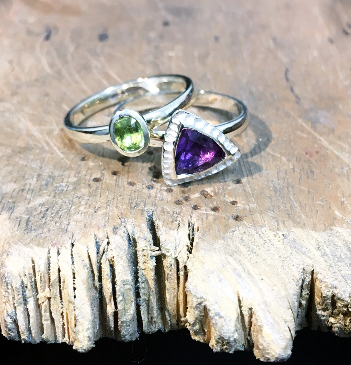 Peridot and Amethyst Stacking rings in White Gold