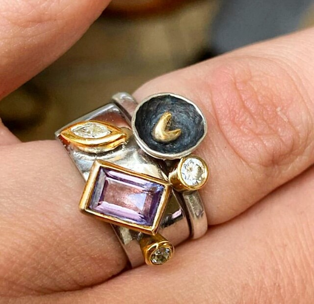 Diamond and Alexandrite Combination Ring in 18ct Gold